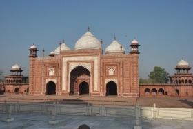 Agra (135)
