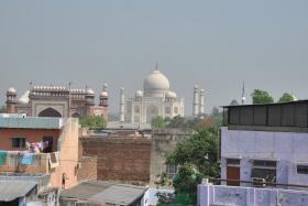 Agra (220)