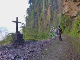 Death road (243)